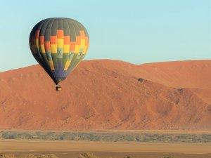 Balloon Flying over Dessert