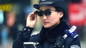 Dengan Teknologi Pengenalan Polisi di Cina Gunakan Kacamata Wajah