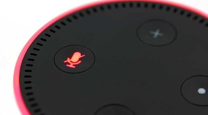 Dua peneliti keamanan asal Tiongkok yang bekerja untuk Tencent, menguraikan bagaimana mereka telah berhasil memanfaatkan speaker pintar Echo dari Amazon untuk mengakses perangkat Echo lainnya melalui jaringan nirkabel yang sama, dan mengubahnya menjadi perangkat penyadapan.
