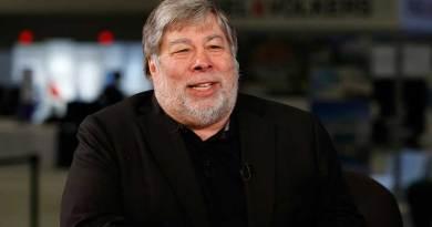 Steve Wozniak Himbau Untuk Hentikan Penggunaan Facebook