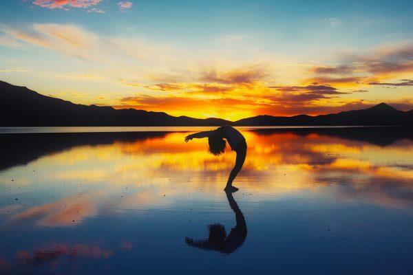 Comment bien s'étirer et gagner de la souplesse en danse ?