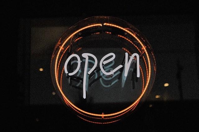 Hose Shop Open
