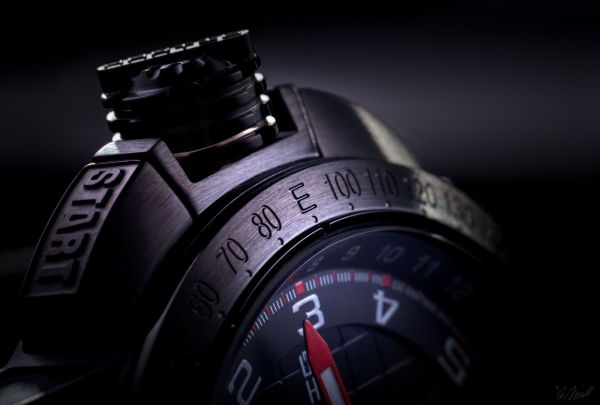 Hartig AH002 chronograph
