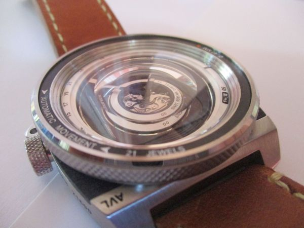 Hands on Review TACS AVL2 (Automatic Vintage Lens 2) Watch bezel side
