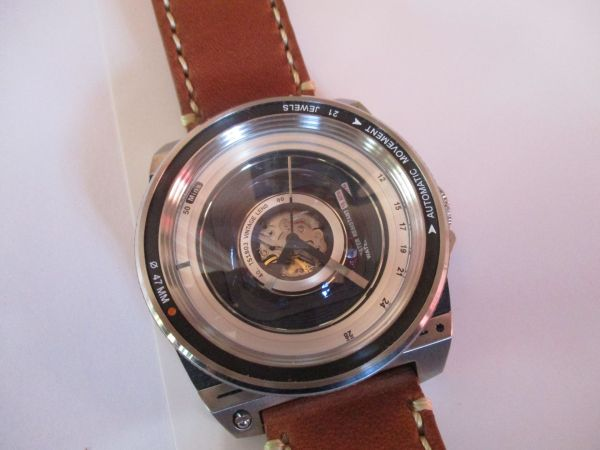 Hands on Review of TACS AVL2 (Automatic Vintage Lens 2) Watch