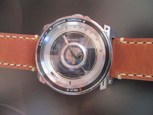 b6b45c31360 The brand has chosen the theme of camera lens to design the Lens series of  watches under Hobby Time collection
