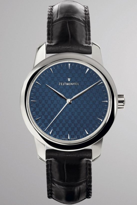 Zeitwinkel Mid-Size watch with central seconds hand