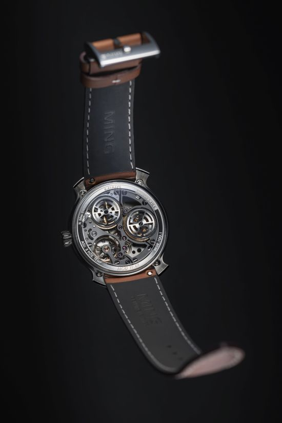 MING 19.01 watch case back view