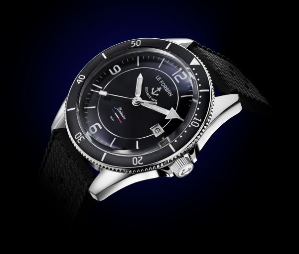 Le Forban Sécurité Mer 'Malouine' Limited Edition diving watch. 150 meters water resistance. Stainless steel case with 38.4 mm diameter. Automatic Miyota 8215 movement