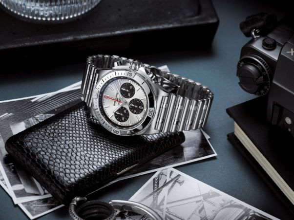Chronomat B01 42 with a silver dial and black contrasting chronograph counters