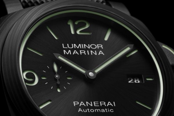 Panerai Luminor Marina Carbotech™ – 44 mm (PAM1118) Limited Edition
