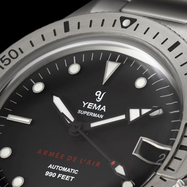 YEMA Superman French Air Force Steel Limited Edition (Automatic) hands