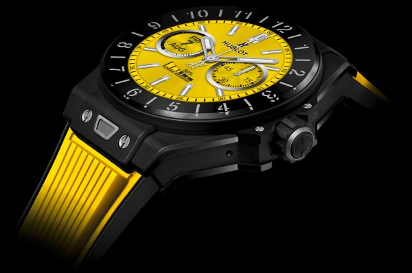 HUBLOT Big Bang ℮ smartwatch yellow screen