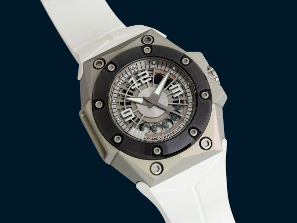 Linde Werdelin Oktopus MoonLite limited edition automatic diving watch with moon-phase display