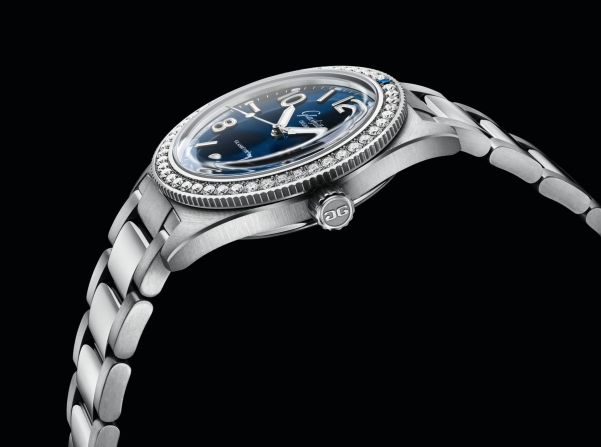 Glashütte Original SeaQ line New Models 2020 Galvanic blue dial and diamond set bezel witth stainless steel bracelet
