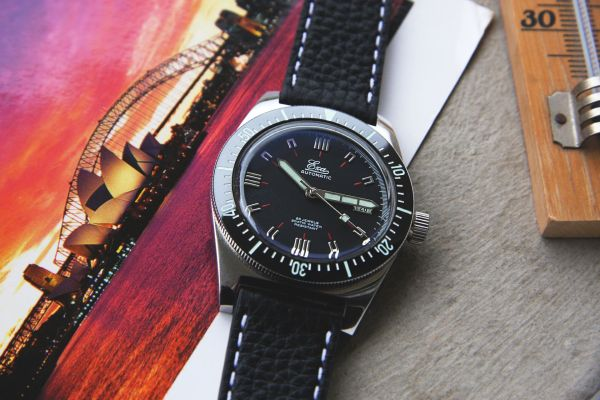 "Eza Watches ""1972"" automatic watch 39.5 mm version"