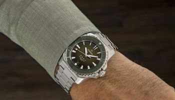 Formex REEF Automatic Chronometer COSC 300M hands ion