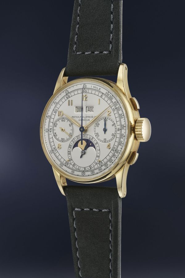 Patek Philippe Reference 1518 in yellow gold: The world's first perpetual calendar chronograph made in series (estimate CHF 250,000-450,000)