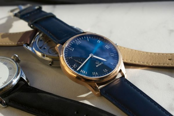 rotate watches blue dial