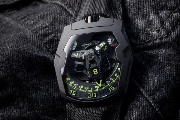 URWERK UR-220 All Black Limited Edition