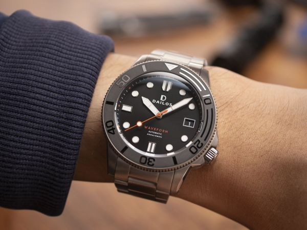 Dailos Waveform Jet Black automatic diving watch