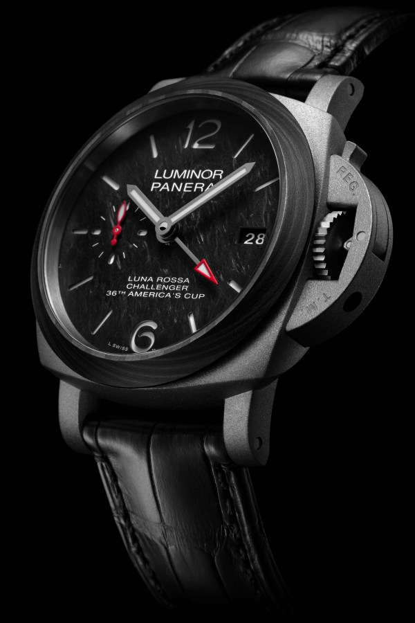 Panerai Luminor Luna Rossa GMT - 42 mm (PAM01096) Limited Edition
