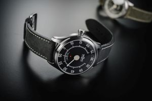 DAVOSA Newton Speedometer Automatic watch