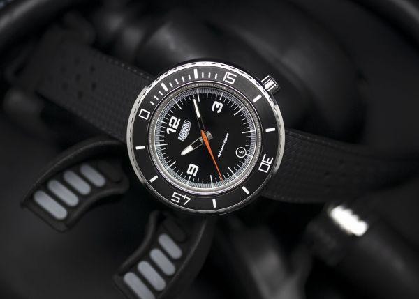 Grandval Atlantique Dive Watch with Classic Black Dial