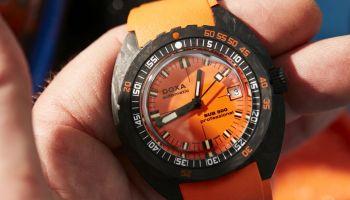 DOXA SUB 300 Carbon COSC Orange Professional diving watch
