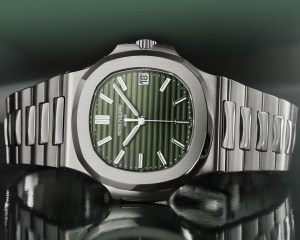 Patek Philippe Nautilus Ref. 5711-1A-014 (with sunburst olive green dial)