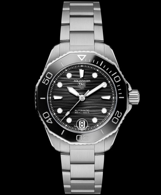 TAG Heuer Aquaracer Professional 300 Calibre 5 Automatic with black lacquered dial