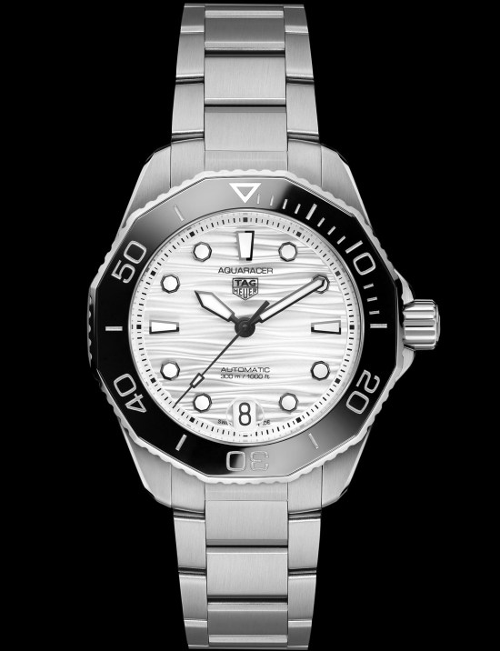 TAG Heuer Aquaracer Professional 300 Calibre 5 Automatic with silver colour lacquered dial