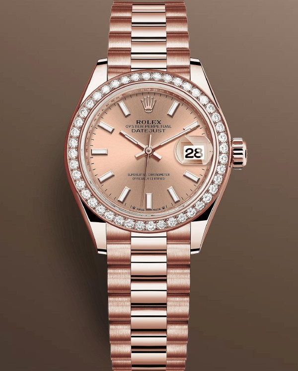 Rolex Lady Datejust Reference 279135 RBR-0025: Everose gold case with diamond-set bezel, Rosé-colour dial with 18-carat gold index hour markers, President Bracelet.