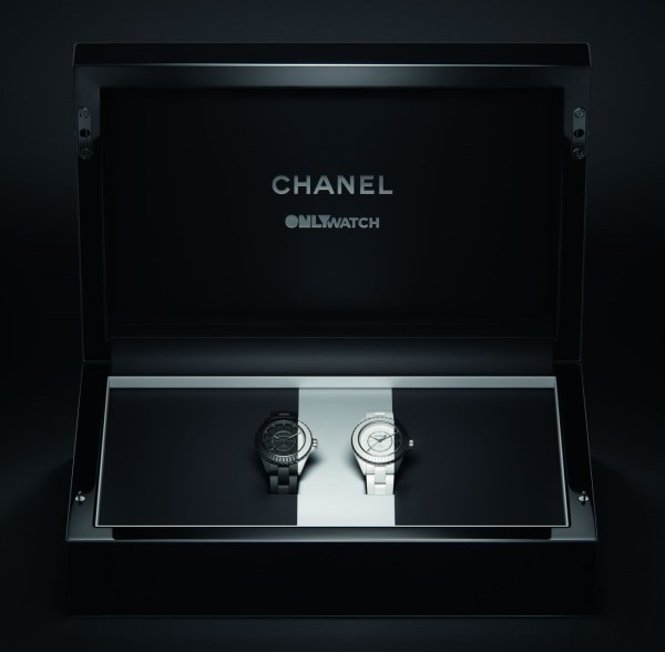CHANEL J12 PARADOXE ONLY WATCH 2021