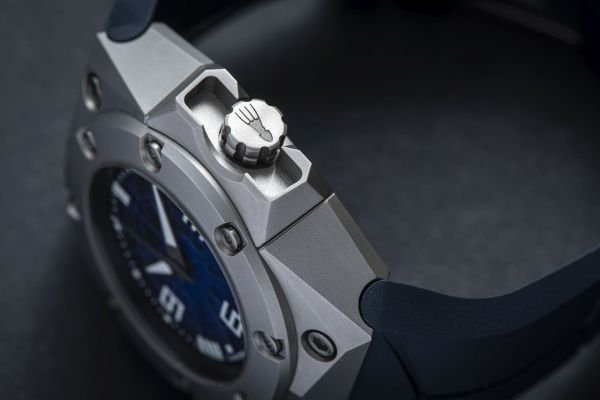 Linde Werdelin Oktopus Nord watch watch grade-2 titanium case