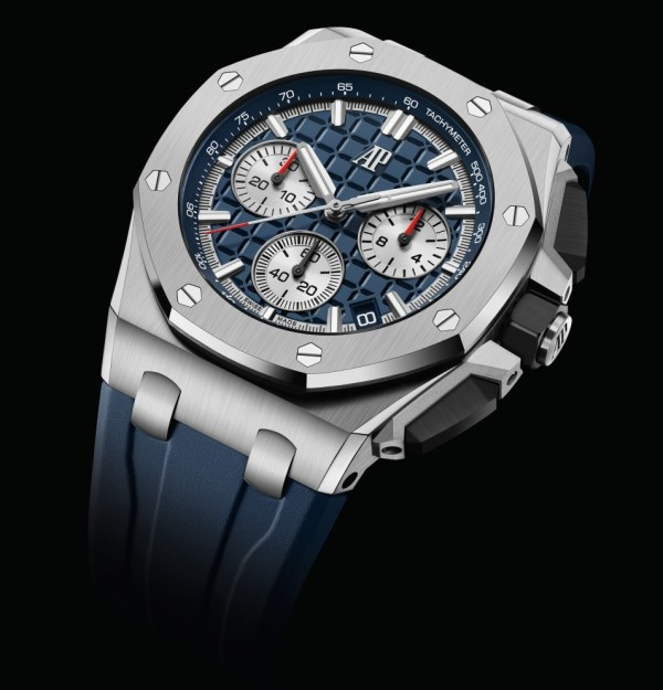 """Audemars Piguet Royal Oak Offshore Self-winding Chronograph 43 mm with titanium case and bezel, blue dial with """"Méga Tapisserie"""" pattern and rhodium-toned counters"""