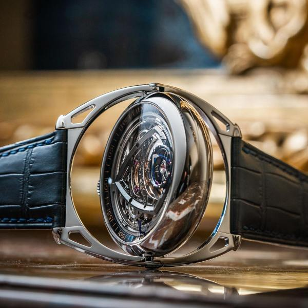 DE BETHUNE x VOUTILAINEN Kind of Magic for Only Watch 2021