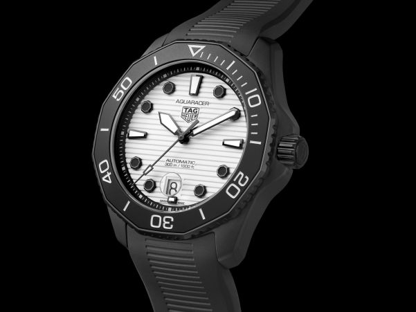 TAG Heuer Aquaracer Professional 300 Night Diver - Calibre 5 Automatic, Reference WBP201D.FT6197
