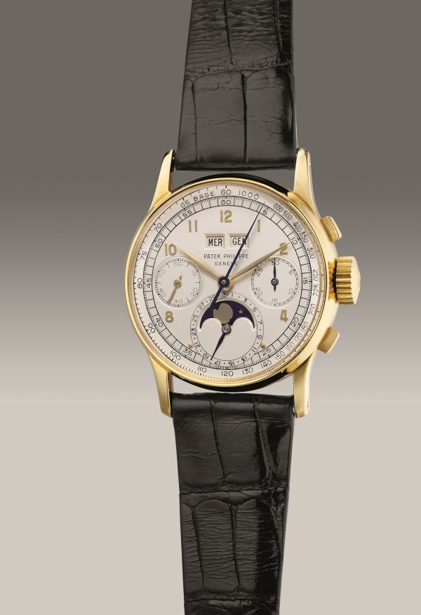 Patek Philippe Ref. 1518 yellow gold perpetual calendar chronograph wristwatch with moon phases