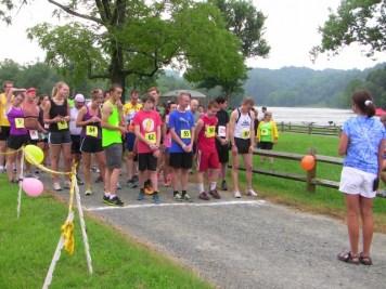 Teresa Roberts gives last instructions before race.