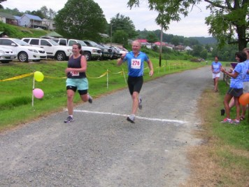 Jill Cockerham and Jason Spurling finishing together. Great job!