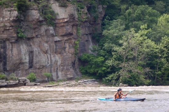 Kayaking trip from Ivanhoe to Foster Falls on New River in Va-