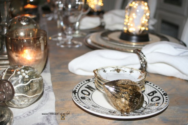 Dazzingly bright new years eve tablescape9