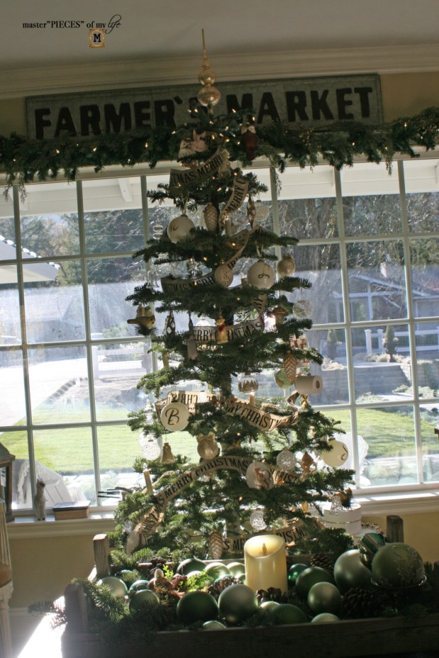 A trimmed christmas tree5