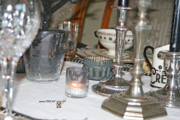 Glitzy halloween tablescape 8