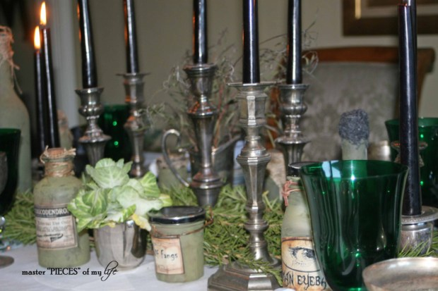 Green & black halloween tablescape12
