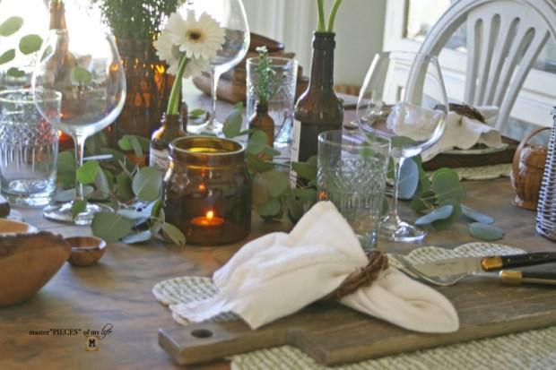 Rustic casual summer tablescape0