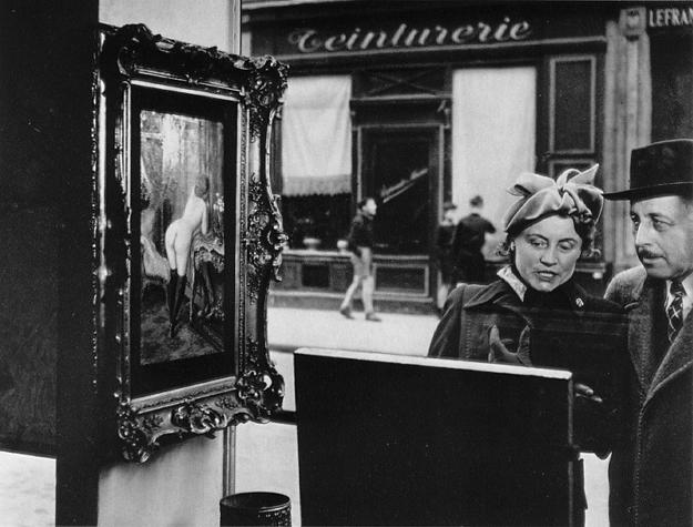 https://i2.wp.com/masters-of-photography.com/images/full/doisneau/doisneau_sidelong_glance.jpg