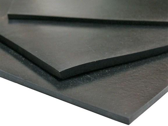 ТФ-1 ВП (лист) - техническая полимерная пластина черного цвета с гладкой поверхностью и ровными краями (демпферный мат).