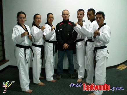 2010-06-10_(8830)x_taekwondo_Pumse_Colombia_Oskar-Posada_0_640